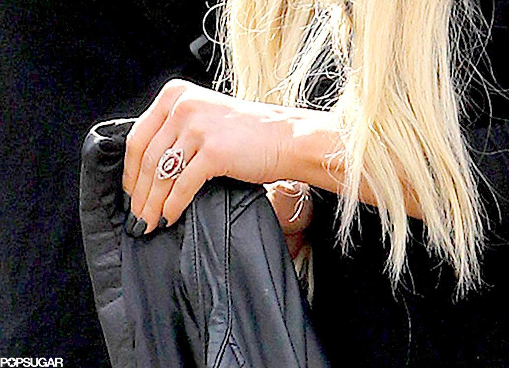 Get a closer look at ashlee simpsons engagement ring