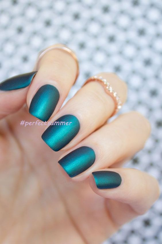 Beautiful Matte Top Coat And Green Color Gel Nail For Nail Design