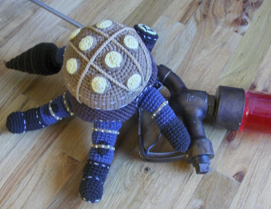 Bioshock 2 Big Daddy Bouncer Doll Replica - Free Amigurumi Pattern ...