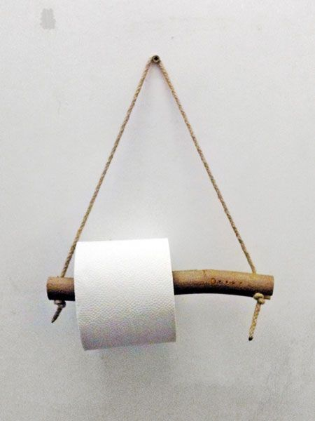 from the toilets in okay studio how funny to see our toilet roll in here - Diy Toilettenpapierhalter Stand