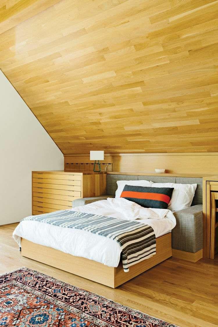 Schlafzimmer Mit Dachschräge Wandverkleidung Hell Holz Warm Atmosphaere
