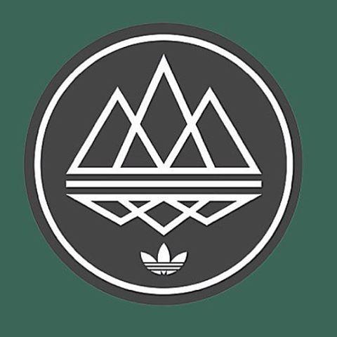 Pin Oleh Sharif Tp Di Tenis Desain Logo Desain Grafis Inspirasi Desain Grafis
