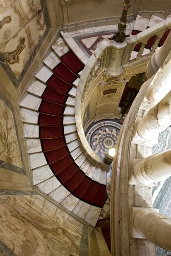L'hôtel de la Païva. -- the staircase made entirely of onyx.