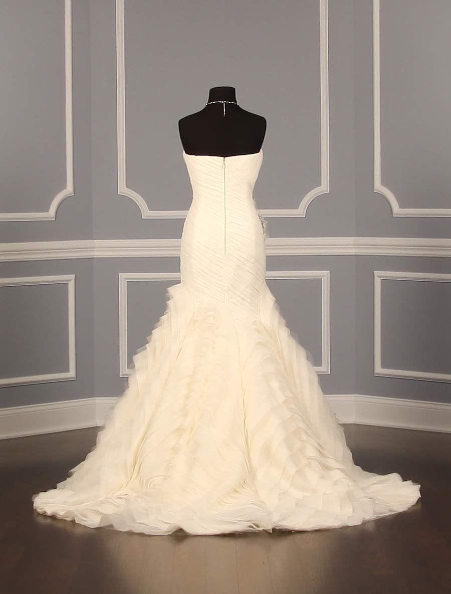 Vera wang designer wedding dresses  Vera Wang  Kareena Couture Wedding Gown  Couture Designer