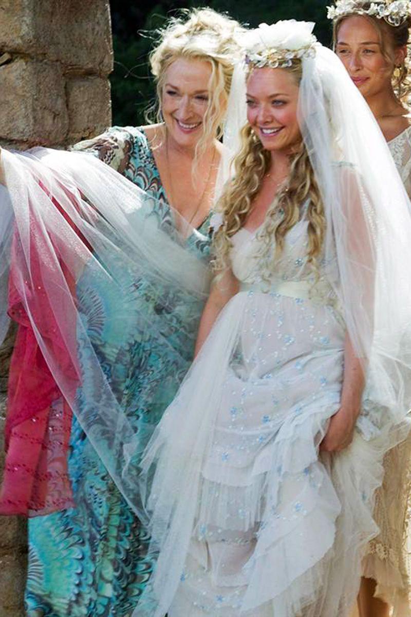 In Photos: 32 Iconic Movie Wedding Gowns | Amanda seyfried, Amanda ...