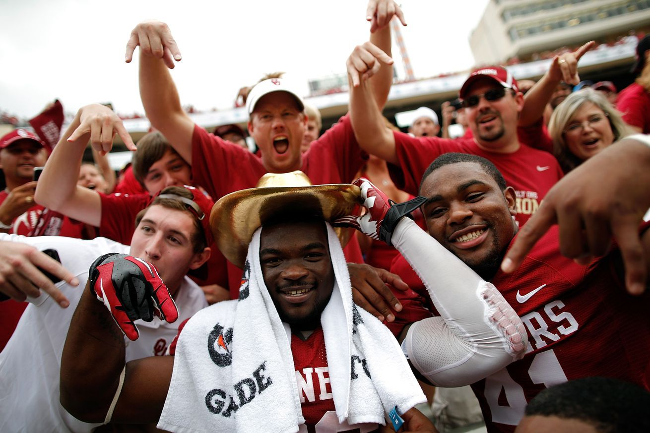 Horns Down should college footballs universal hand