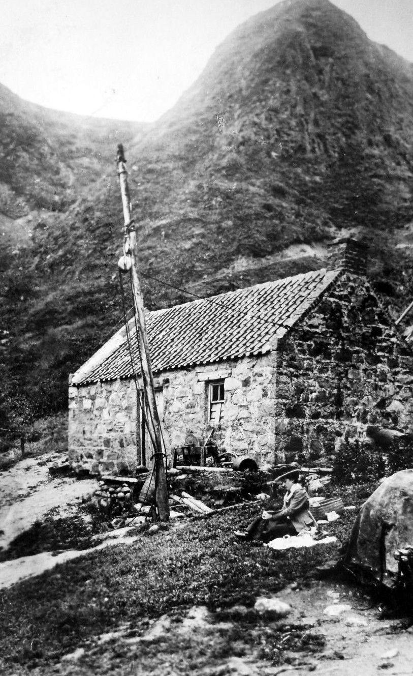 Tour Scotland Photographs: Old Photograph Salmon Fishermen's Cottage Longhaven Peterhead Scotland
