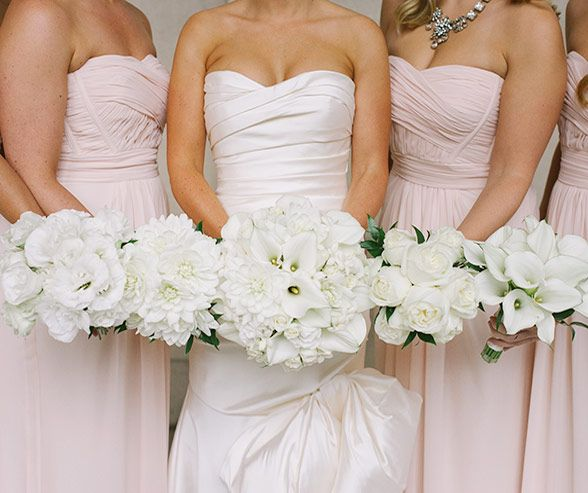 The Bride S Stunning White Bouquet Of Roses Calla Lilies Dahlias