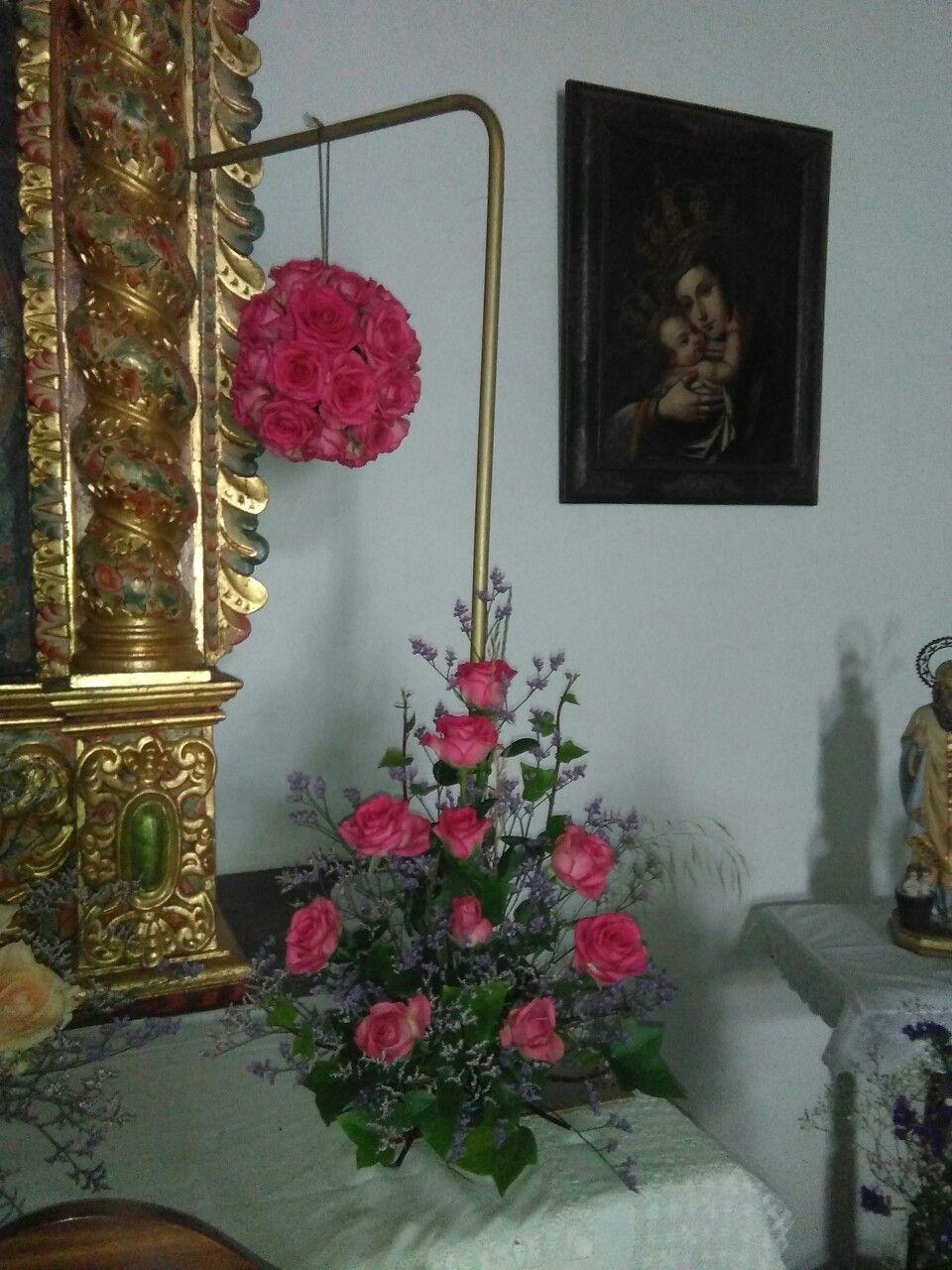 Bola de rosas fucsia y centro a juego para una boda | Decoraciones ...