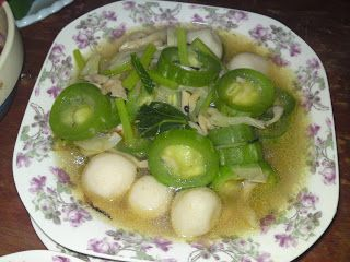 Dari Dapur Orang Kampung Sayur Petola Ular Tumis Air Campur Fishball