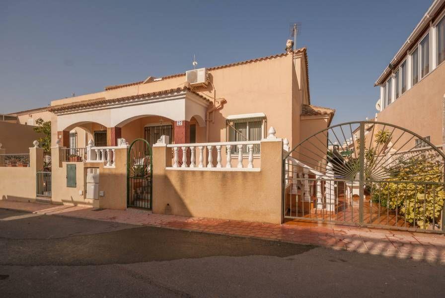 RicaMar Homes Real Estate Costa Blanca | 3 Bed and 2 Bathroom Townhouse in Playa Flamenca - Orihuela Costa