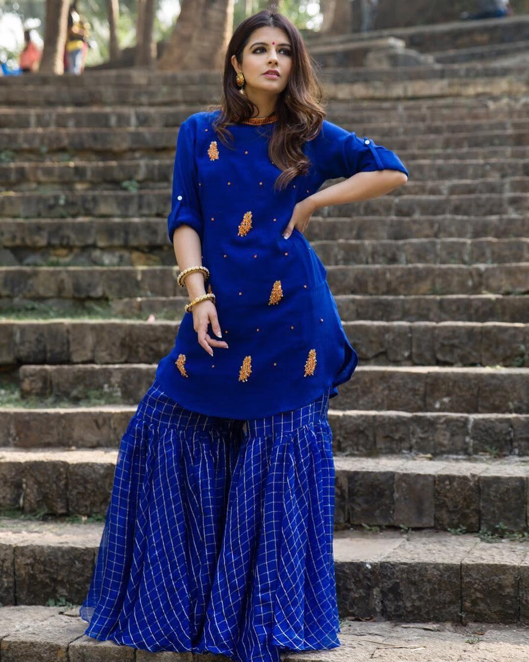 36a35d6793 Pinterest ○ @bhavi91 Gharara Designs, Kurta Designs, Dress Designs, Gharara  Pants,