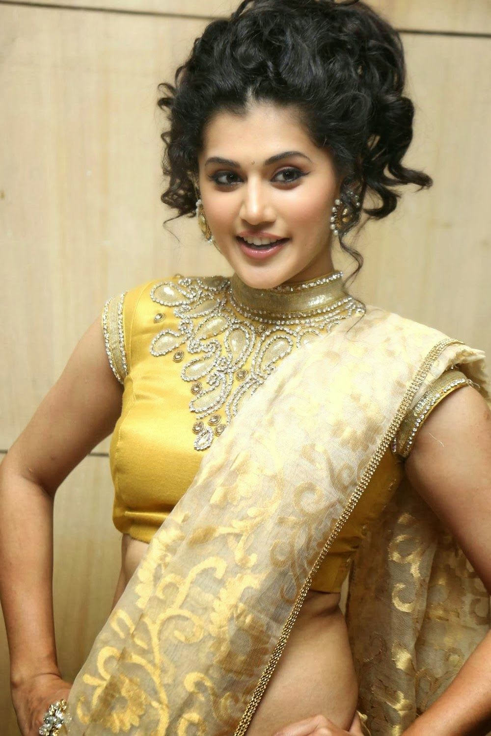 Pink Movie Actress Real Name Taapsee Pannu Biography Wiki