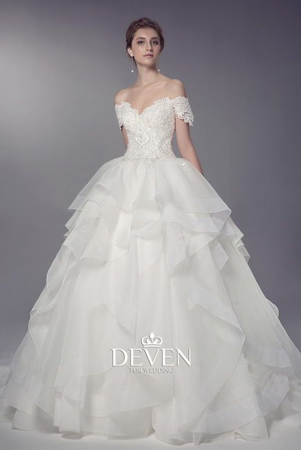 Short Sleeves Sweetheart Neckline Lace Applique Ball Gown Bridal