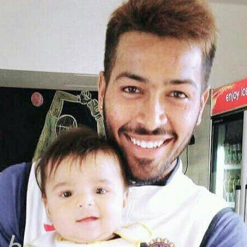 17 8k Likes 59 Comments Hardik Pandya Hardik Pandya Club On Instagram Cuteness With Images Instagram Sports Stars