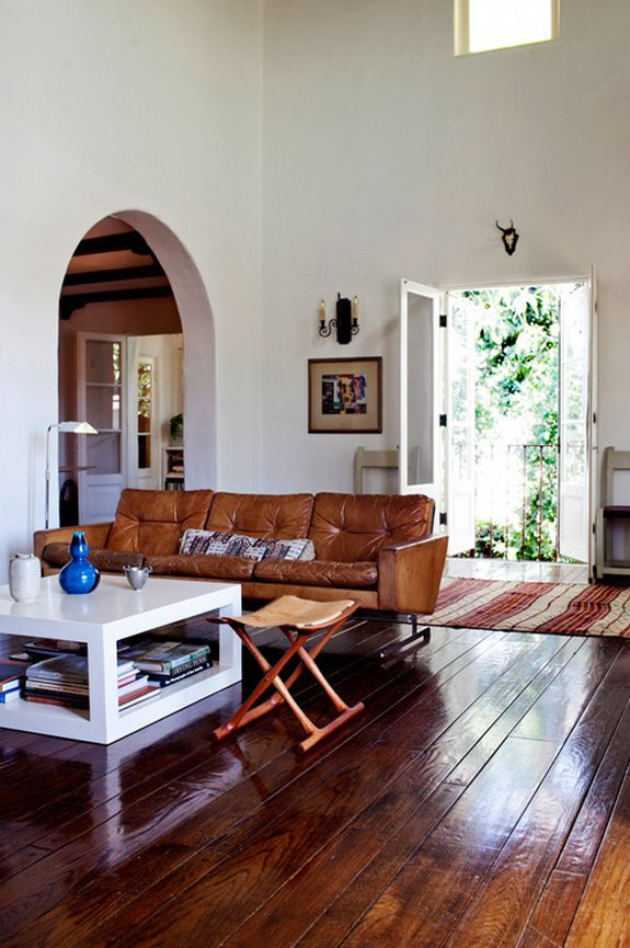 naturalsubjective | Carmel's feng shui tip...sofa with back to the door is out of command position.