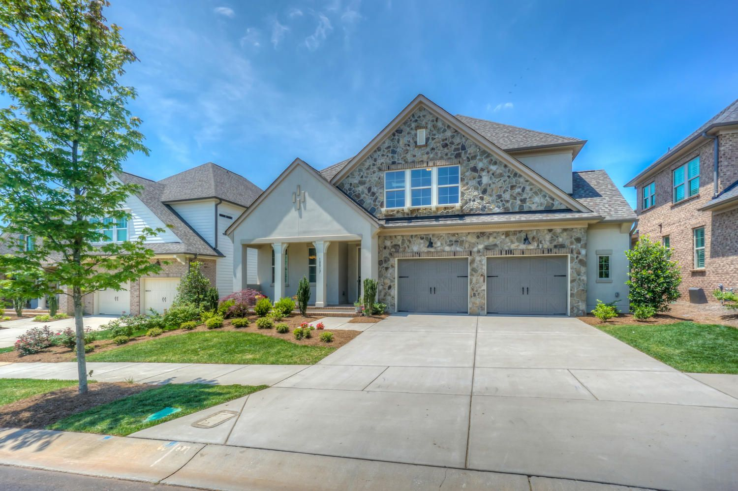 New price on beautiful 4bd home in robbins park http