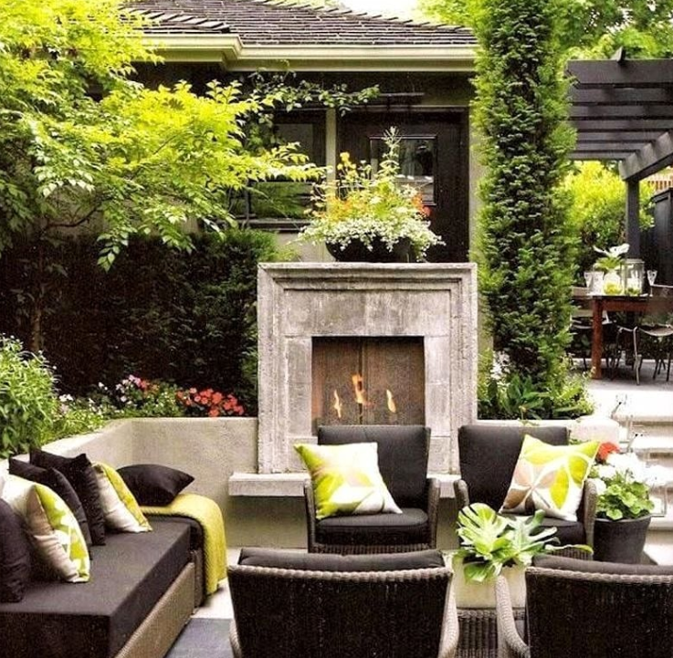 25+ The Ultimate Patio Designs With Fireplace for an Attractive Patio