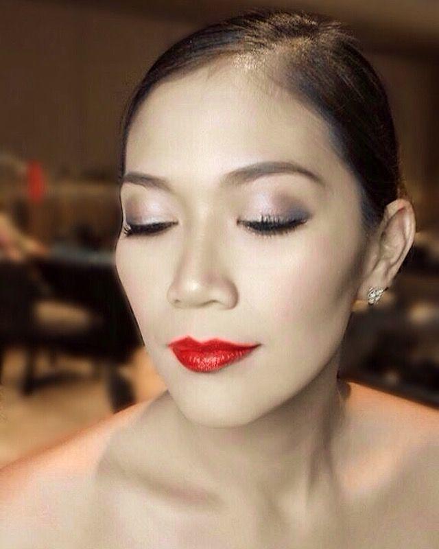Eye Makeup - Glamorous, Elegant and Sparkling eyeshadows. Beauty MakeUp by: JPSolinap #makeupbyjhesso #beautymakeup #makeupartist #makeupartistph #makeupartistphilippines #makeupartistmanila #makeupartistmakati #makeupartistILOILO #mua #muaph #muaphilippines #muamanila #muamakati #muaILOILO #maccosmeticsph #usingmaccosmetics #sueshph #cliniqueskincare #cliniquemakeup #cliniquecosmeticsph #esteelauder #esteelaudermakeup #makeupforever #gandangpinay #redlipstick #eyemakeup