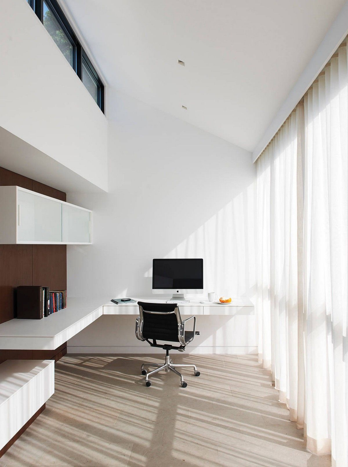 White Minimalist Home Office Design with Floating Desk iMac and nice ...