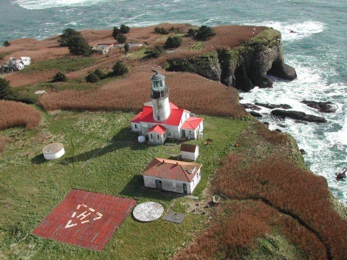Cape Flattery lighthouse [1857 - Tatoosh Island, Washington, USA ]