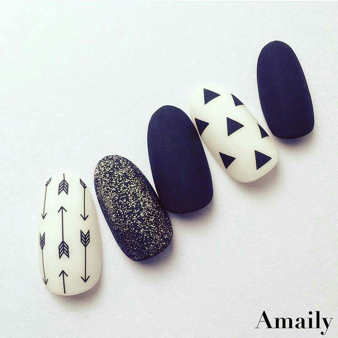Pin de Mica Malbran en uñas   Pinterest   Diseños de uñas, Arte de ...