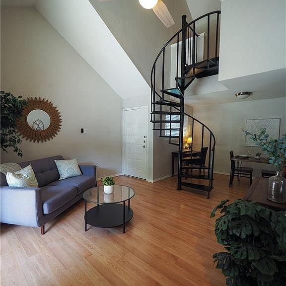1840 Burton Dr Austin Tx 78741 Apartments For Rent Zillow Apartments For Rent Austin Apartment Apartment