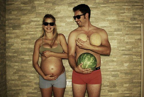 hilarious maternity photoshoot idea. Love this bc my boobs are normally that size lmao