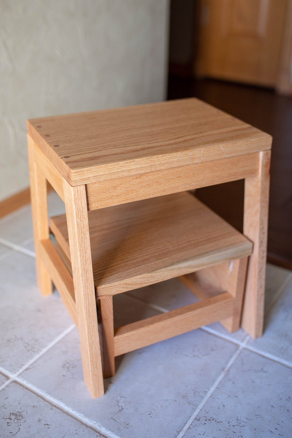 Prime Red Oak Kitchen Step Stool With A Pull Out Step Kitchen Creativecarmelina Interior Chair Design Creativecarmelinacom