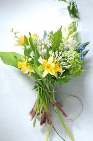Diy Three Spring Bouquet Ideas Spring Wedding Bouquets Daffodil Bouquet Wedding Vintage Bouquet Wedding