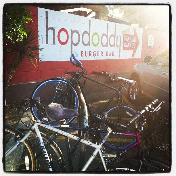 Hopdoddy Burger Bar || Best burgers, shakes and fries in Austin