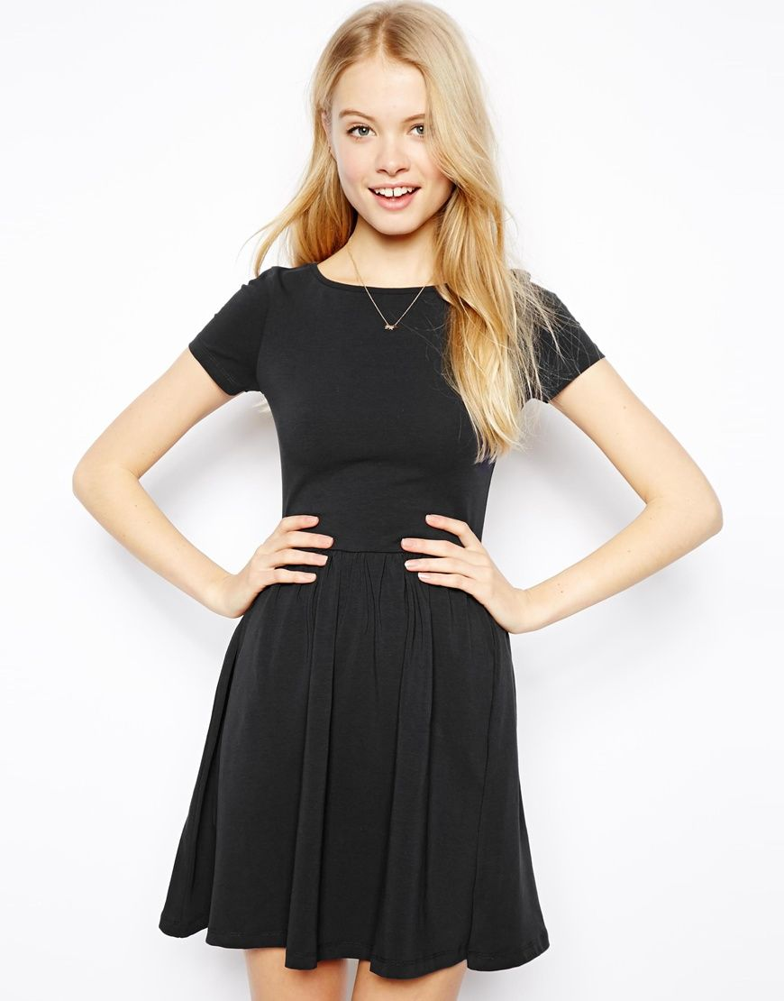 Asos Skater Dress With Sweetheart Neck And Long Sleeve In Blue Navy - Find this pin and more on asos asos skater dress with slash neck and short sleeves in blue navy