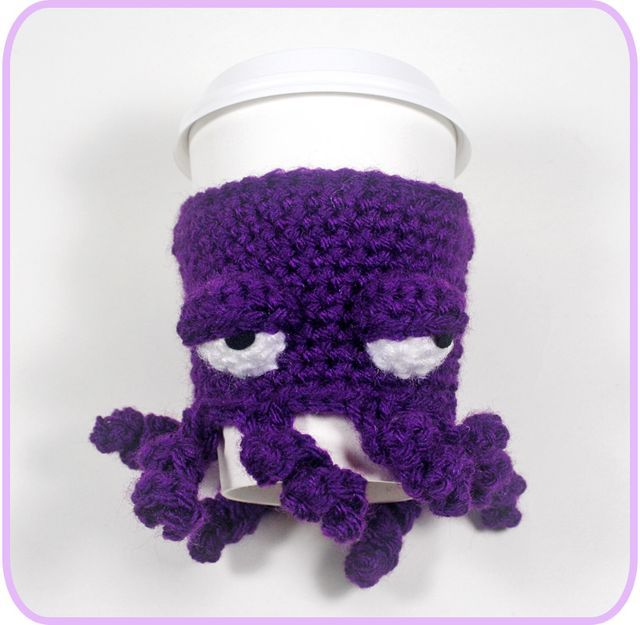 Remember when I made this grumpy octopus coffee cup cozy back in December? I finally made another one so that I could write down the pattern for you!   Octopus Coffee Cup Cozy Designed by Twinkie Chan