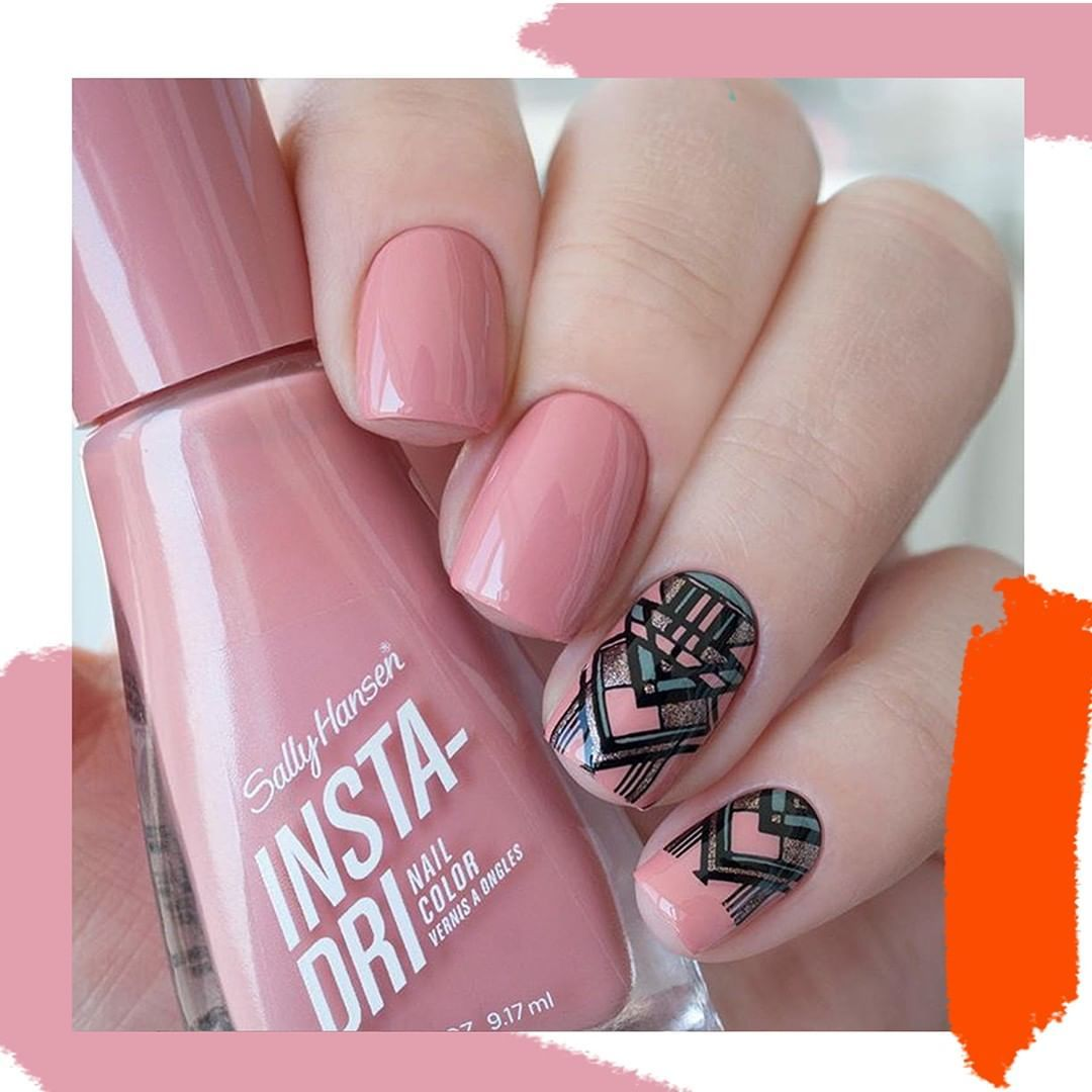 Yulia Nails We Re Loving Your Accents Shade Mauve It Sallymade Instanails Nailstagram Nails Sally Hansen Nail Polish Nails Sally Hansen Nails