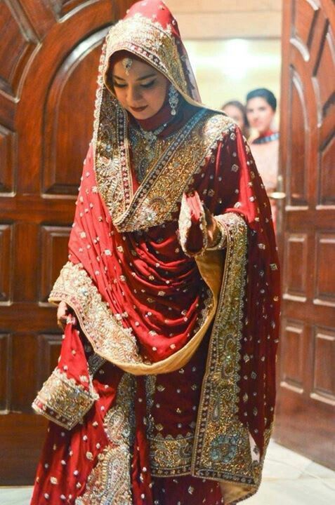 Red Saree Perfect Muslim Wedding Bridal Outfits Pakistani Bridal Dresses Indian Bridal