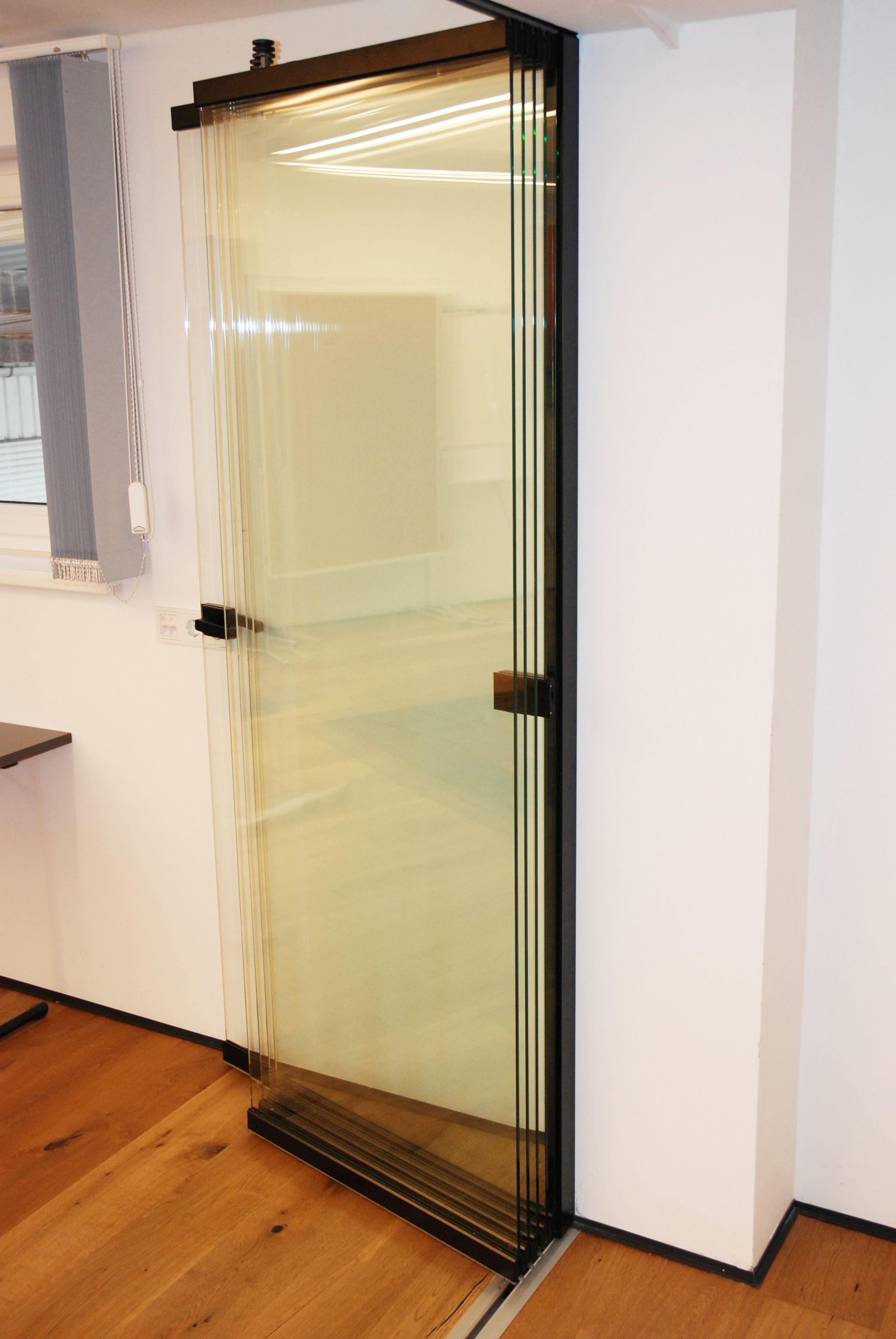 Schiebe Falt Wand Fur Innen Flexible Innenglaswande Zum Auffalten Schiebetur Glas Glastrennwand Faltwand
