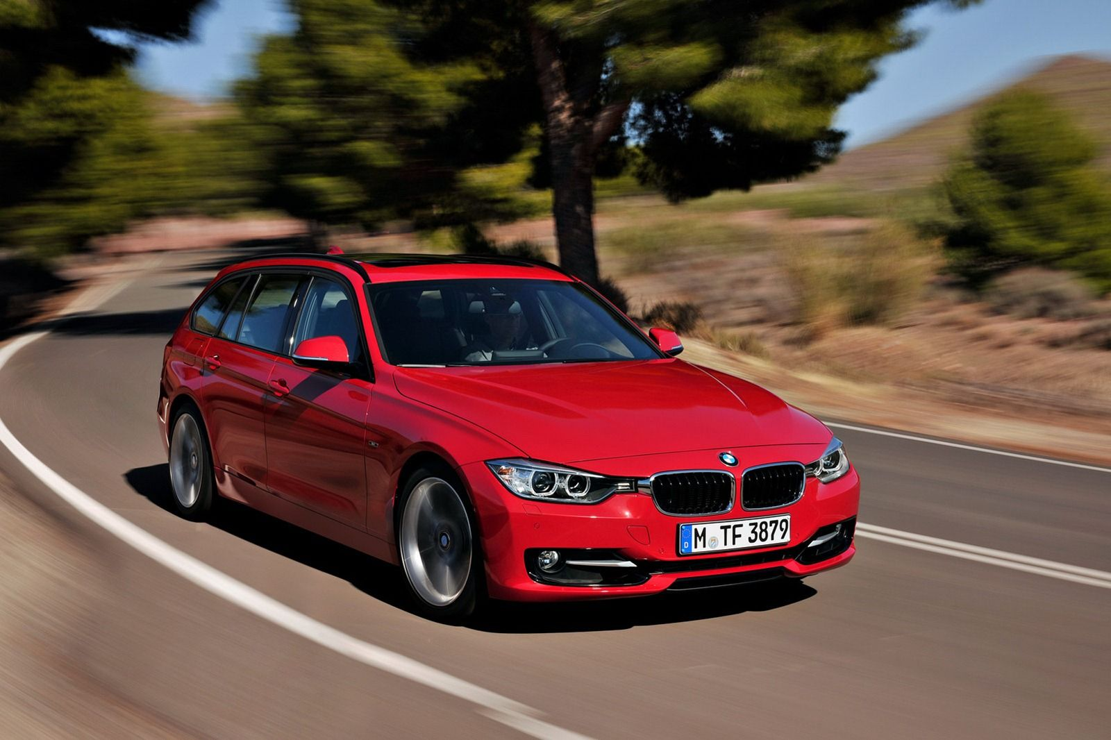 2014 BMW 3 Series Wagon Pictures