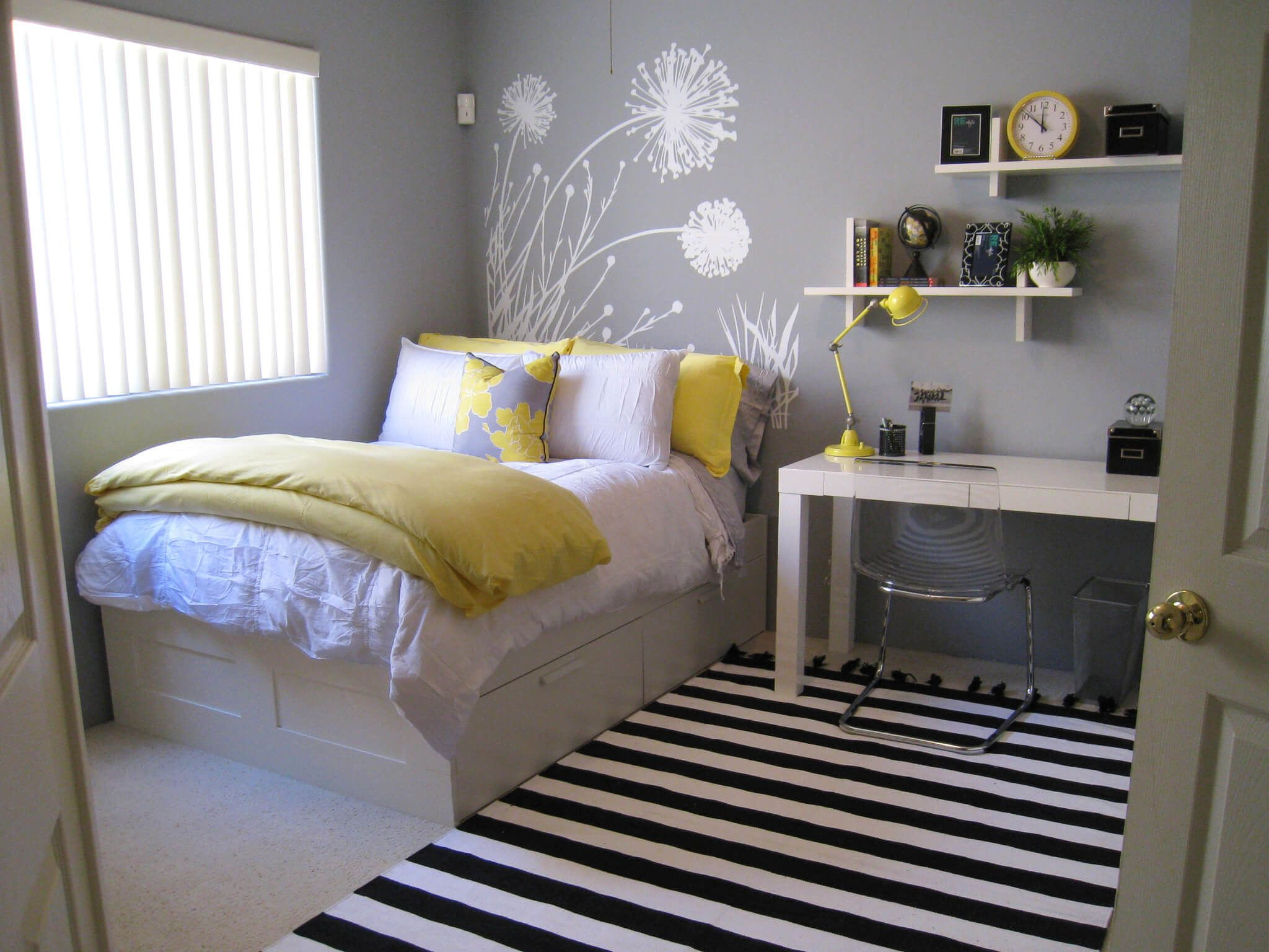 Exciting Small White Bedroom Decorating Ideas Apartment ...