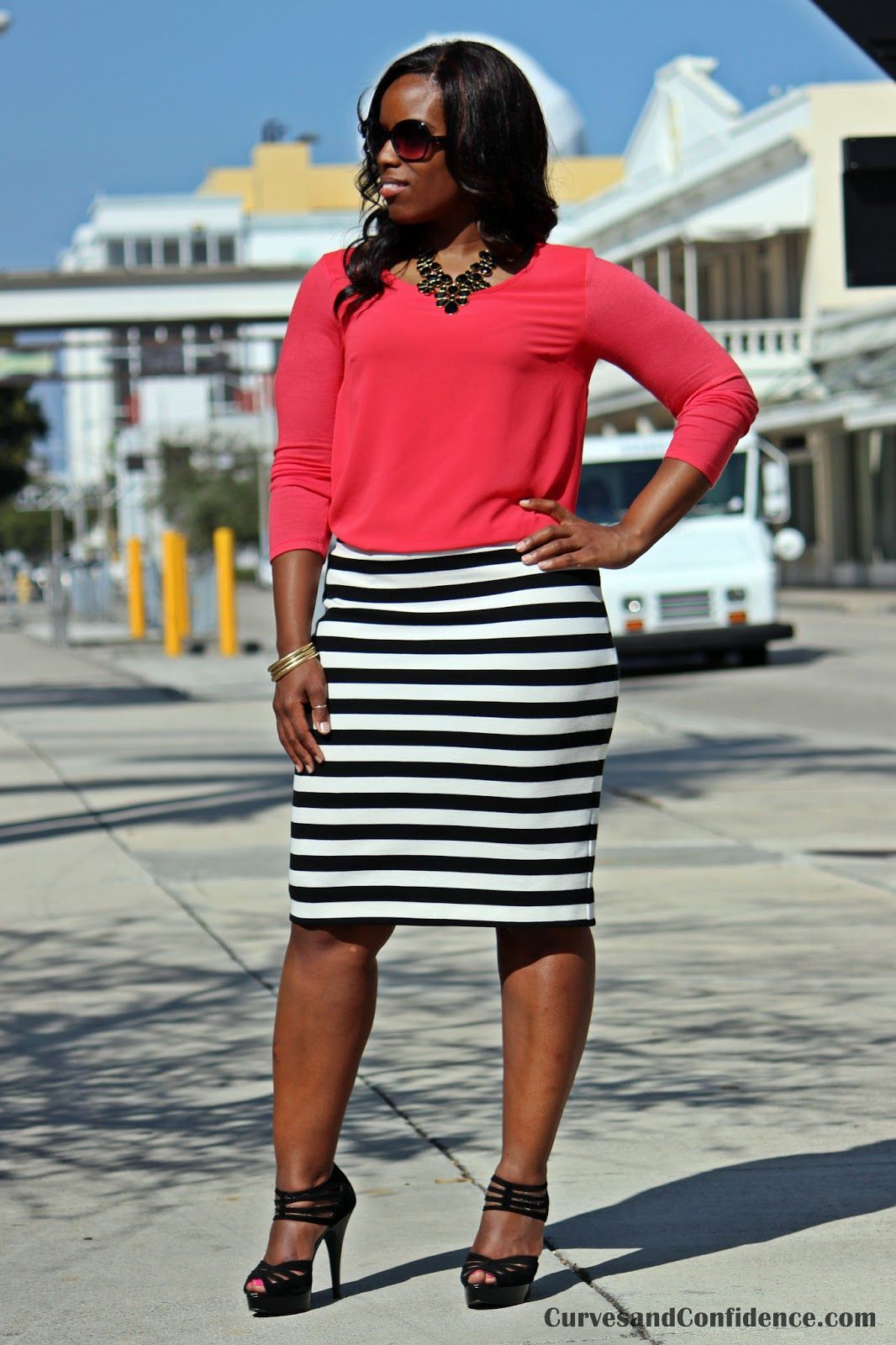 black and white pencil skirt, curvy girl office outfits, how  ...