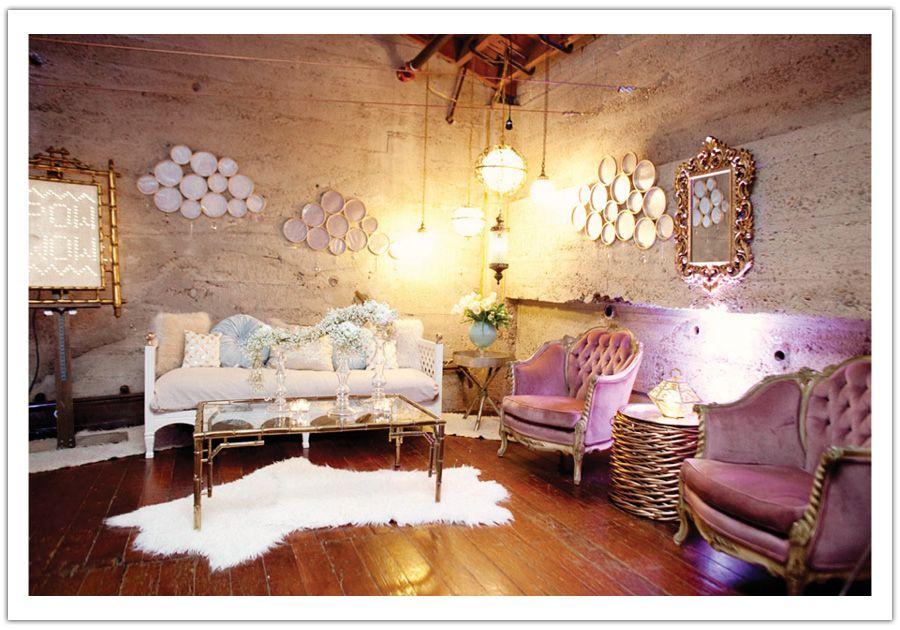 Captivant DREAM Modern Glamour Wedding Show (60) Chic Salon, Glam Hair Salon, Salon