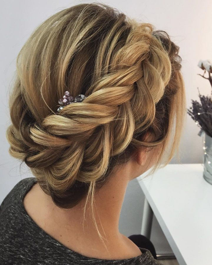 Crown braided updo hairstyle,Gorgeous chignon hairstyle idea,bridal updo,unique hairstyles,wedding hairstyles for long hair,bridal hairstyles