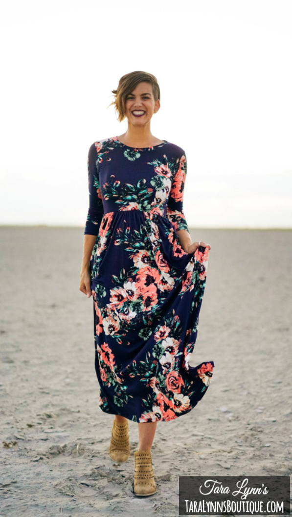 a41f4163f74ab SIENNA FLORAL MAXI: NAVY Petite Size, Floral Maxi Dress, Full Skirts, Skirts