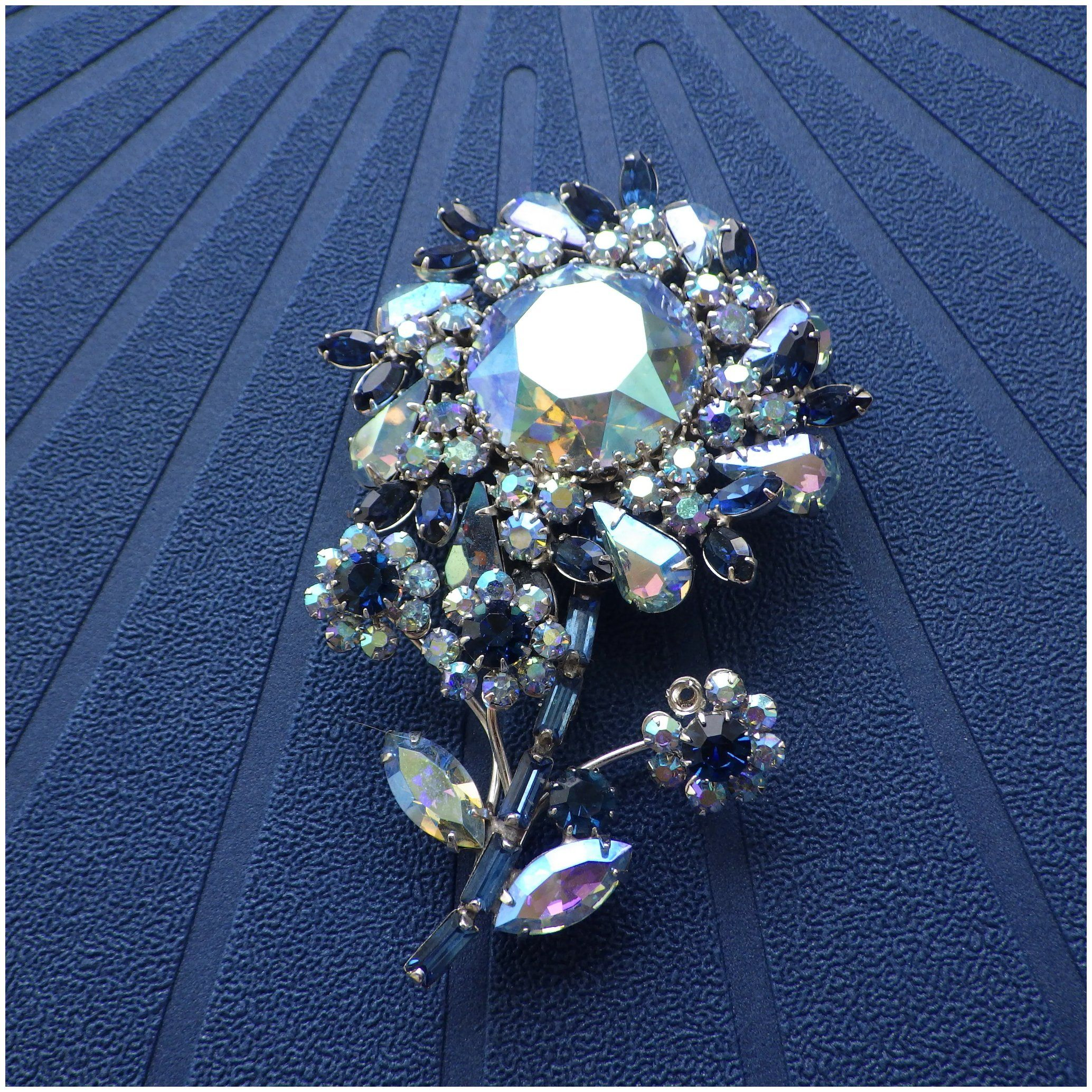 BroochClip-On Earrings Austria Shades of Blue Rhinestones Flower SET
