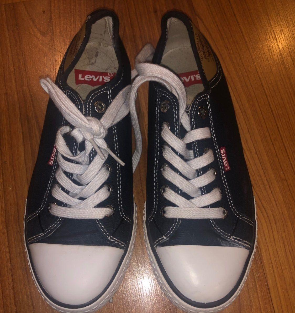 levi's converse style shoes