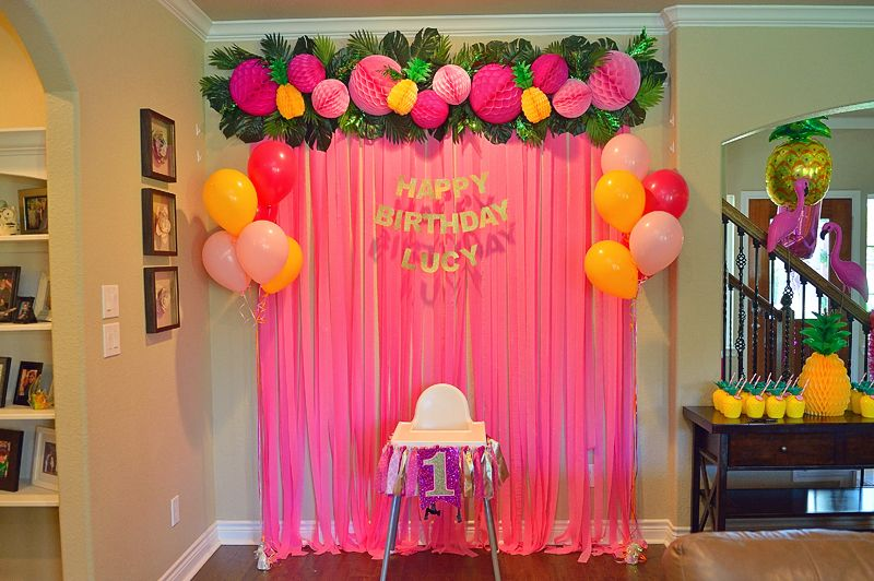 A Pineapple Party for Lucy's 1st Birthday | 1st birthday ...