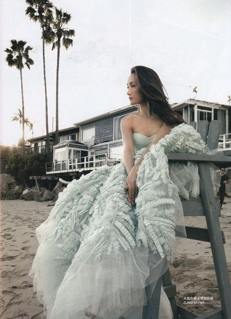 Zuhair Murad Spring 2011 RTW/ Maggie Q for Self China