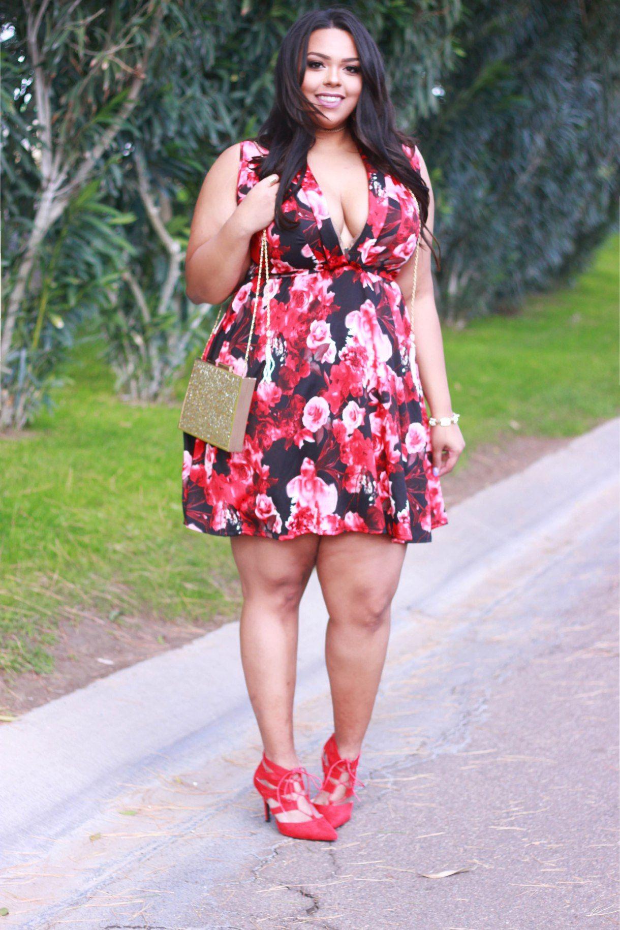 V-Day Your Way: Deep V   Pinterest   Vestido para gorditas, Moda ...