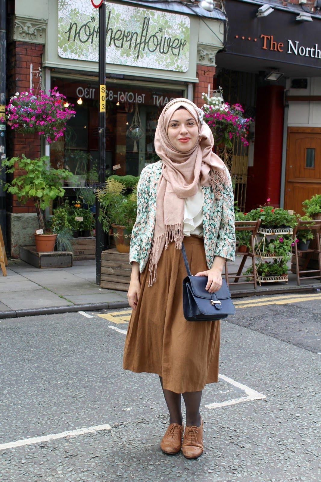 Vintagonista City Tour Vinatge Hjab Style Hijab Fashion Eclectic Vinatge Blogger Vintage