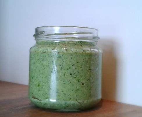 Rezept Feldsalat-Pesto mit Feta von suessenannimaus - Rezept der Kategorie Saucen/Dips/Brotaufstriche