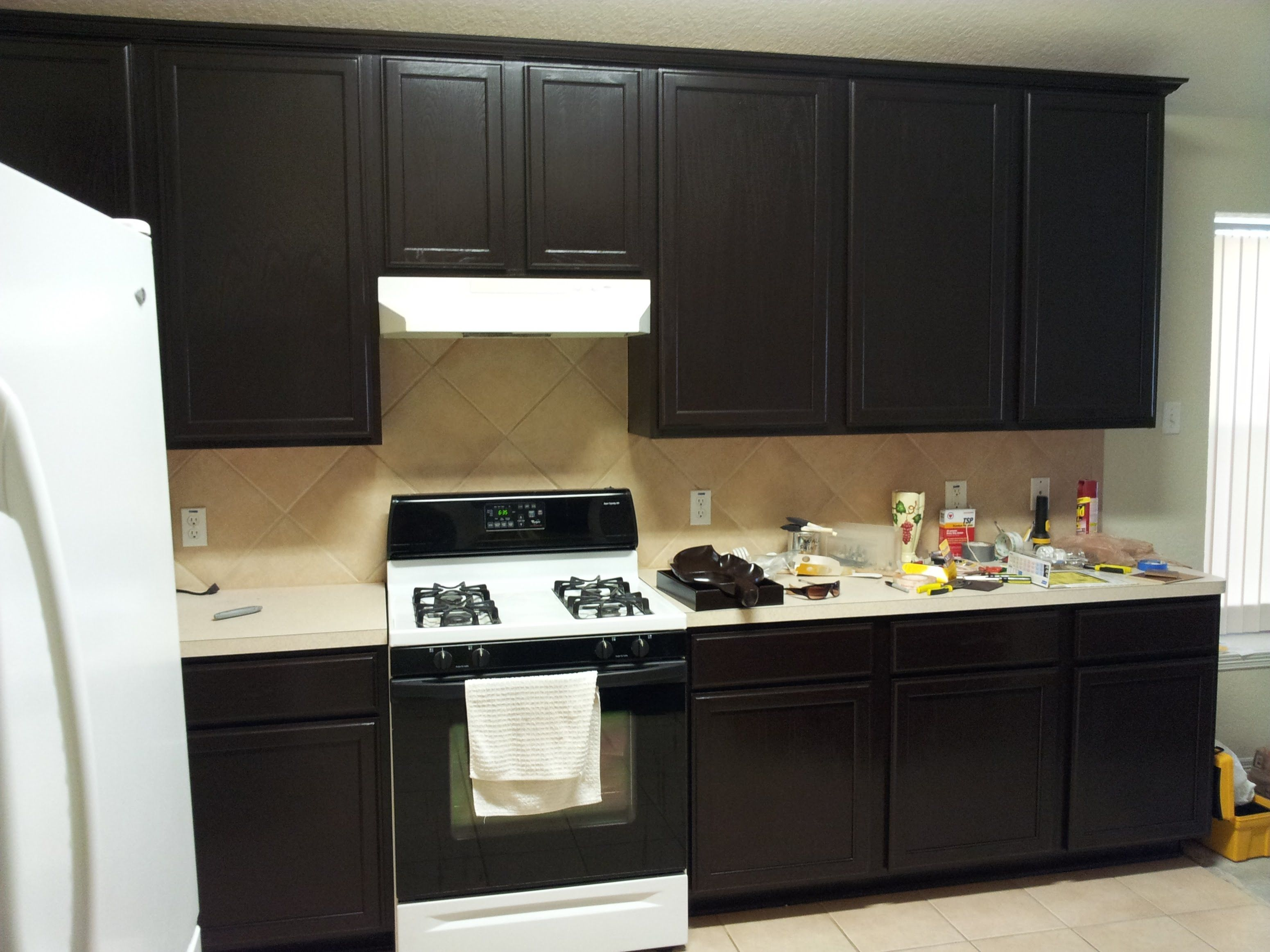 What techniques to follow when staining kitchen cabinets ...